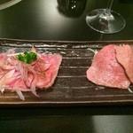 焼肉ステーキ あつし - 炙り肉刺しと牛肉のたたき