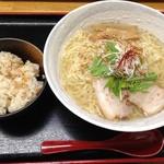 大漁 浅草店 - 鯛塩らーめんと鯛めしセット(840円)