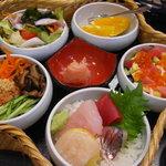 寿司の海女屋 - 見た目も楽しい篭盛りランチ