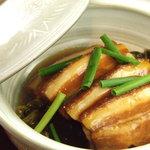 鳳凰閣 - 高菜と角煮の煮込み