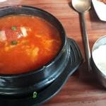クオンズ - トマトチーズスンドゥブ