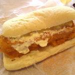 ケンタッキーフライドチキン - 料理写真:フィッシュサンド。タルタルソースたっぷり。