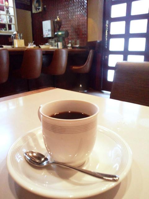 カフェ&バー 琥珀 - ホットコーヒー 税込380円