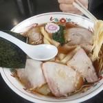 とら食堂 - チャーシュ麺 麺の仕上り