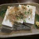 海人居酒屋 源 - 豆腐はやはり島豆腐です。