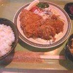 ミッキー - 料理写真:サービス定食、ミックスフライA(チキン、魚)