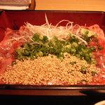 麻布 武藤 - ランチの牛刺重1680円。お茶漬けでも食べれて美味しかったです。