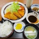 ハーク - 料理写真:ミックスフライ定食 830円(8%込)