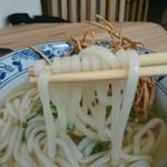 博多うどん たか木 - 麺  リフト