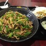 上海亭 - 青椒肉絲丼