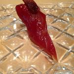 40434426 - 梅コースでは、マグロの赤身が出ましたが、じゅうぶん美味い。