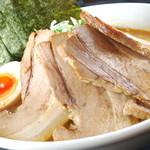 ラーメン春樹 - 料理写真:チャーシュー麺に当店自慢のバラチャーシューを4枚も載っています!