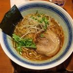 麺 とことん屋 - 料理写真:とんこつしょうゆラーメン