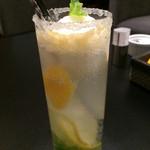シェーカーズカフェ ラウンジプラス - リフレッシュ・ソルト ソルティドッグのようなグラスのふち〜