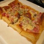 鉄板亭 粋 - さくさくパイピザ(¥800−)