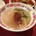 台南担仔麺 屋台料理 来来 - スープビーフン。とても小さいです。炒飯についてくるスープ位の器。190円なのでシメにびったり‼︎