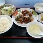 台湾菜館 弘城 - 黒酢酢豚定食