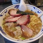 りょうたん亭 - 料理写真:チャーシューワンタンメン:1200円