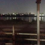 40460473 - 店の前のベンチからの夜景。