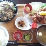 40461159 - 唐揚げとレバニラのハーフ&ハーフ定食
