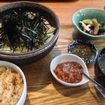 沖縄ごはん くくる食堂 - 冷やしからそば定食