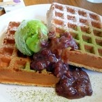 オランジ - 抹茶アイス&小倉あんワッフル890円