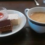 マリーナ - イチゴのムースとケーキ