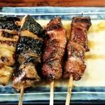 炭火焼鳥 くろちゃん - シロとレバー2本しばりで各1本90円(税別)