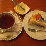 4047903 - 2010.5 紅茶&タルト・オ・フロマージュ