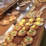 高原のパン屋さん - おかず系パンが多いかな