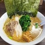 ラーメン 虎ノ穴男塾 - ラーメン 750円
