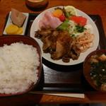取付屋 - 料理写真:焼肉定食(ご飯大盛り)