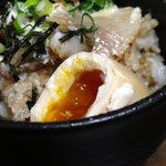 大牟田とんこつ屋 龍鳳  - 焼き豚マヨソース丼