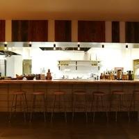 迫力のオープンキッチンカウンター