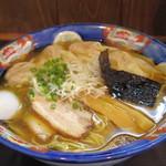 かつみ - 2015年7月 肉ワンタン麺5ケ入ミックス大盛り(980円)