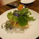 40486969 - 豚トロのグリル、無花果と小メロン、オレンジとエディブルフラワーのサラダ仕立て☆☆☆☆☆5