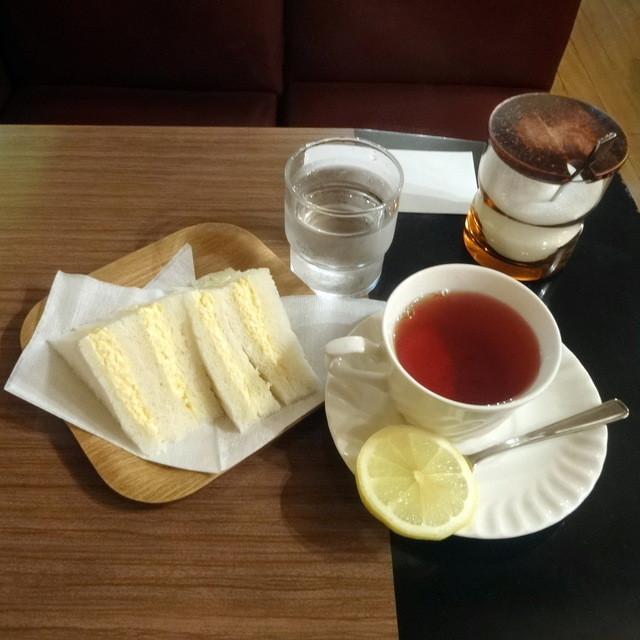 ポピー - モーニングCセット紅茶390円+10円