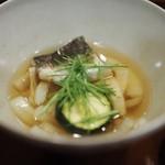 与志福 - 玉ねぎとカマスのスープ