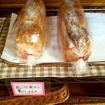 チワのパン - 料理写真:紅こうじ食パン♪血糖値が上がりにくいそうです(^^)