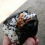 伊勢屋餅菓子店 - から揚げおにぎり190円
