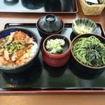 40499475 - 帆立・鮭親子丼セット(冷たい蕎麦)