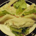 ロンドンティールーム - ポテトとベーコンのサンドイッチ
