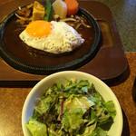 レストランかづの - ⚫︎月見デミソースハンバーグ=900円