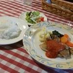 40502392 - 「鶏モモ肉のオリーブオイル焼 トマトソース (920円)」
