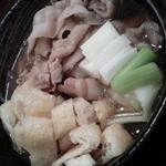 40506477 - 豚肉汁うどん黒+油揚げSサイズ+肉1.5倍