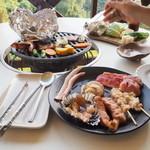 ラハイナ - 夕食はバーベキュー