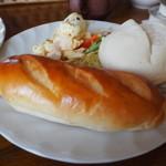 ラハイナ - パンは自家製