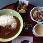 太陽樹 - 料理写真:カレーセット:唐揚げ、サラダ、コーンスープ