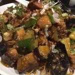 俵飯 - 茄子ピーマンのピリ辛かた焼きそば