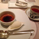 Nord - デザート ジャスミン風味のブリュレとココナツアイス、紅茶
